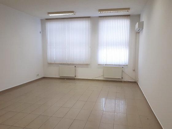 Prenajmeme kanceláriu s umývadlom v admin. budove v Bratislave Petržalke