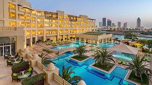 Grand-Hyatt-Doha-Hotel-and-Spa-P426-Swim
