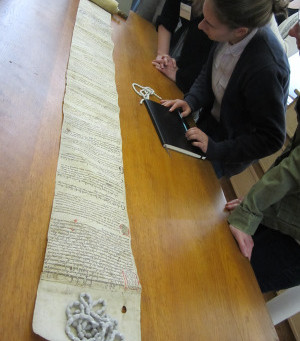 How do you digitise a mortuary roll?