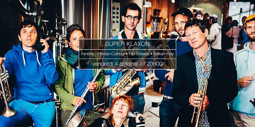Super Klaxon en concert