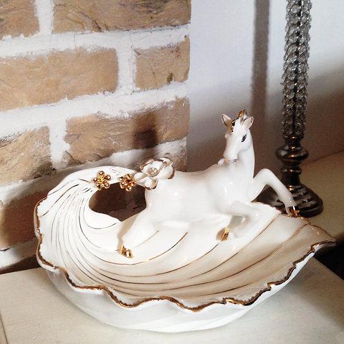 Horse Dish