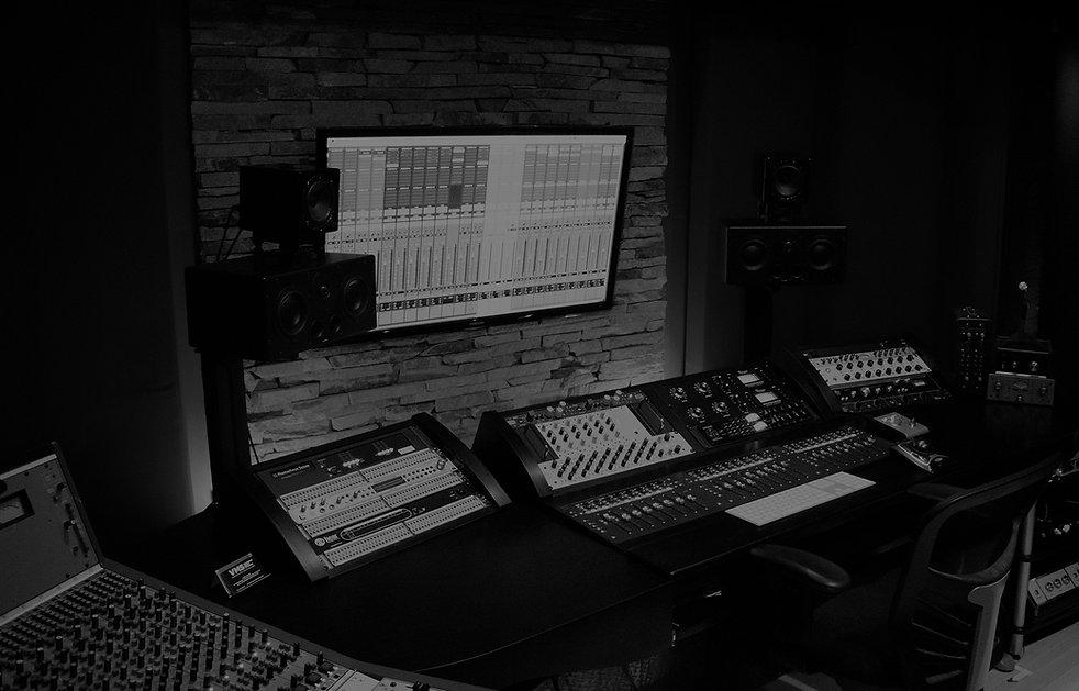 mark-web-studio-pic.jpg