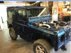 Land Rover Defender 40th V8
