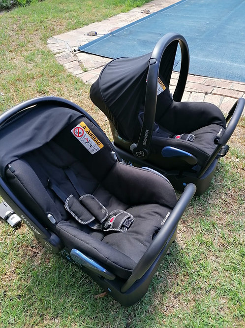 (Cape Town Sale Only!! )Double trouble twin pram (complete travel system)