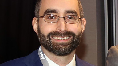 Dr Bob Komara