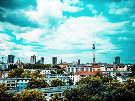 (ベルリンの建築)球体デザインの訳とは?街の象徴となったベルリンテレビ塔