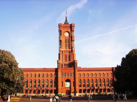 (ベルリンの建築)外観だけでなく、中身も見所いっぱいの「赤の市庁舎」