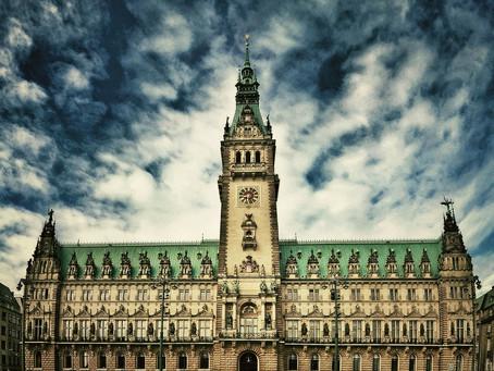 (ハンブルク観光)外観も内部も見所いっぱいの「ハンブルク市庁舎」