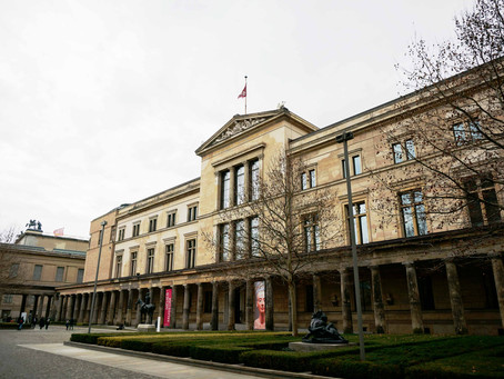 (ベルリンの建築)見事な修復を経て70年ぶりに再オープンした「新博物館」