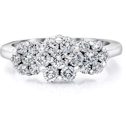 14Kt. White gold cluster diamond ring