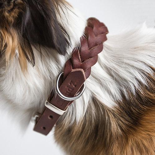 Hund mit Lederhalsband Central Park von Cloud7 I Kläfferkram