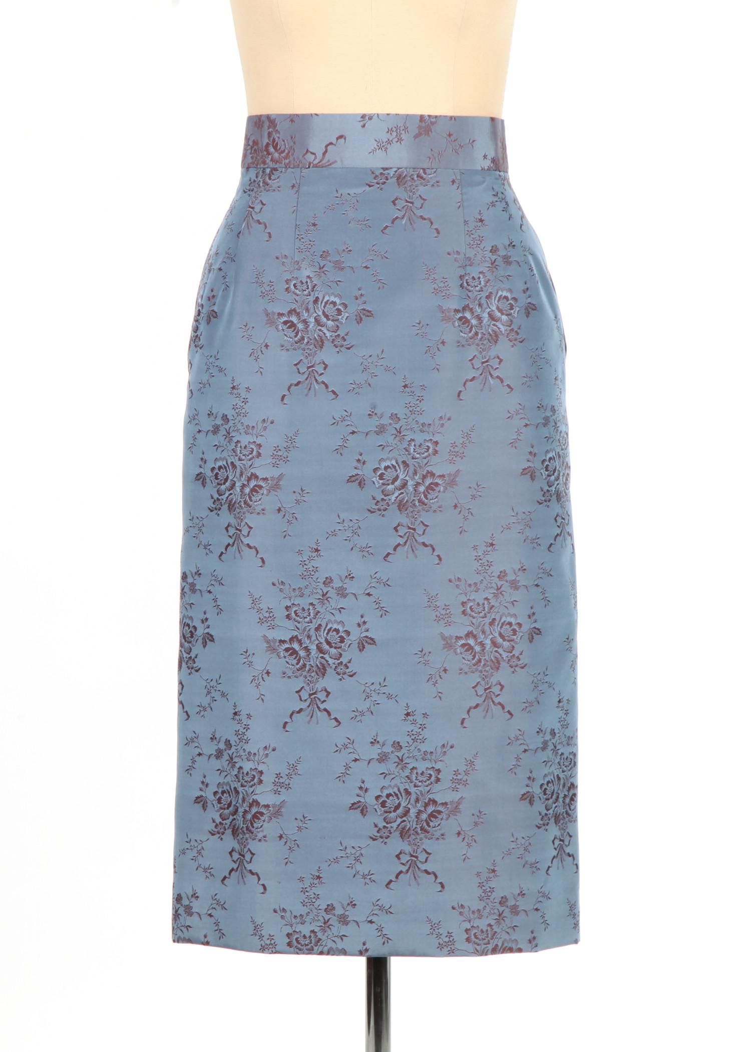 Midi skirt with high quality silk fabric