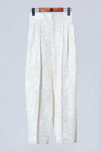 High quality white silk pants with pleats detail