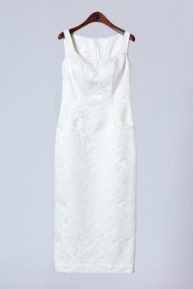 High quality white silk onepiece with pocket detail