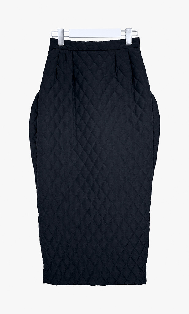 Quilted skirt with side detailing
