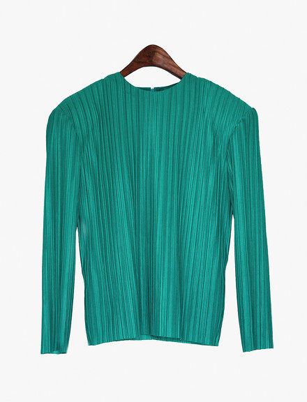 Flowy pleated top with shoulder pads