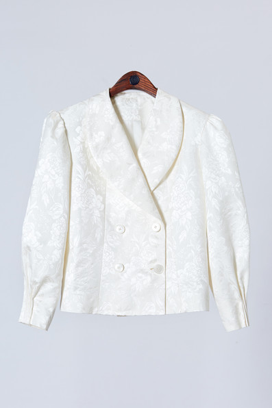 High quality white silk jacket with sleeve-end detail