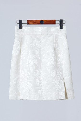 High quality white silk mini skirt with front side slit