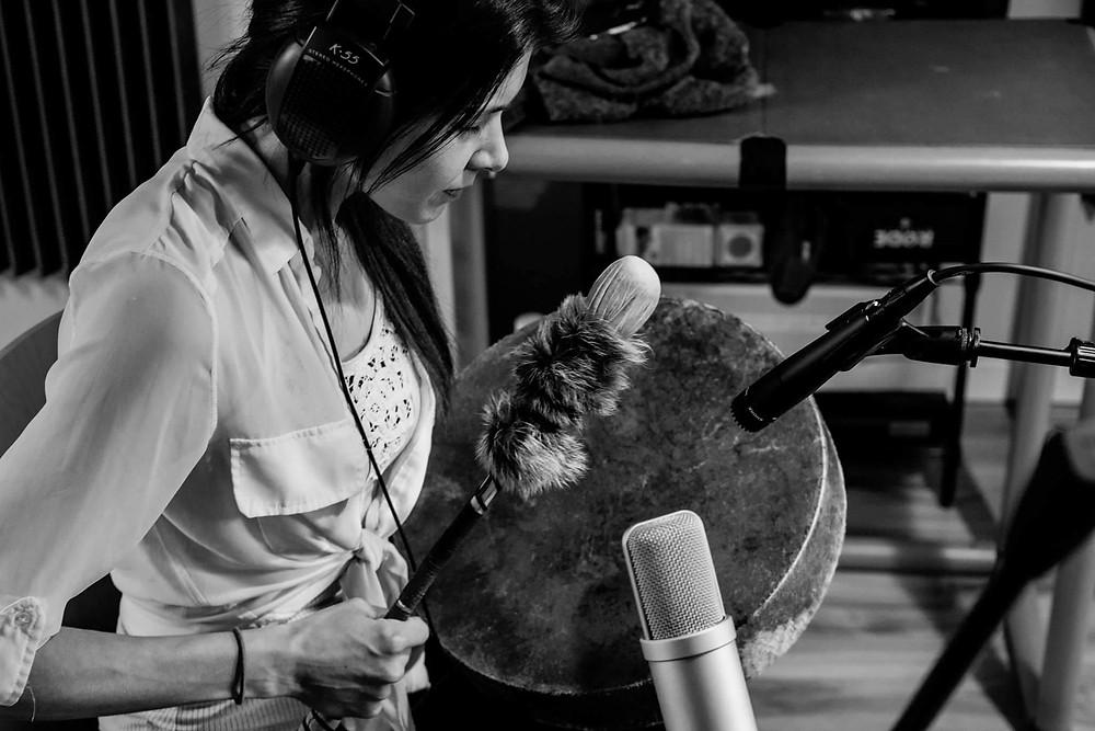 photo of jazmin playing music