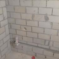 Монтаж водопровода в стене