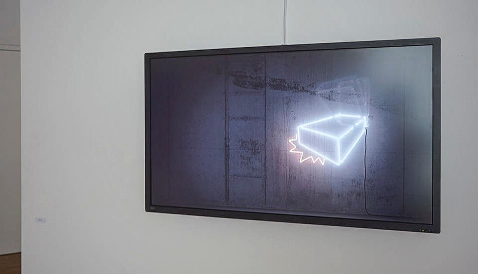 Neonklotz, Austellungsansicht von Martin Fell