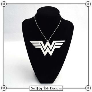Wonder-Woman-2-Necklace.jpg