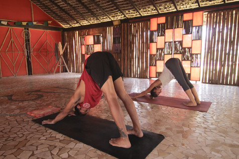 Práctica de Yoga Bambuddha Centro Holístico