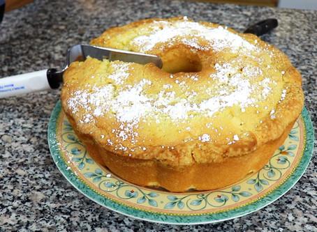 Yiayia's 7 Up Cake!