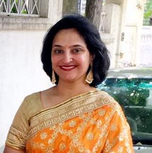 Chitra yelllow saree.png