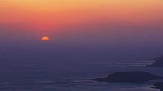 Magiškos saulės palydos Santorini saloje