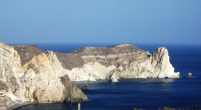 Baltieji Santorinio paplūdimiai