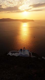 Saulėlydis virš Theoskepasti cerkvės Santorinyje