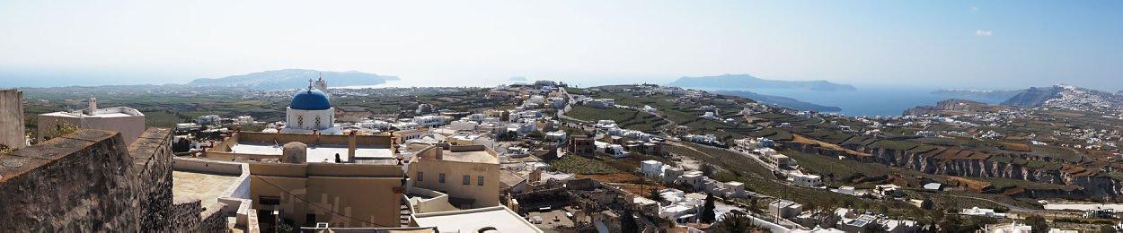 Santorini panorma nuo Pirgos miestelio