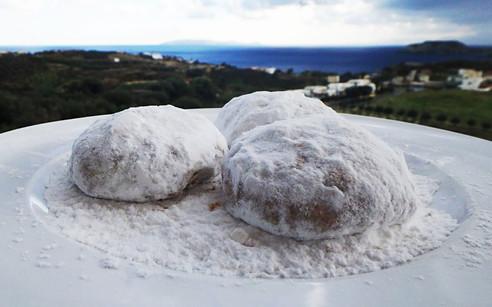 Kurabiedės - sniegas kretiečių lėkštėse