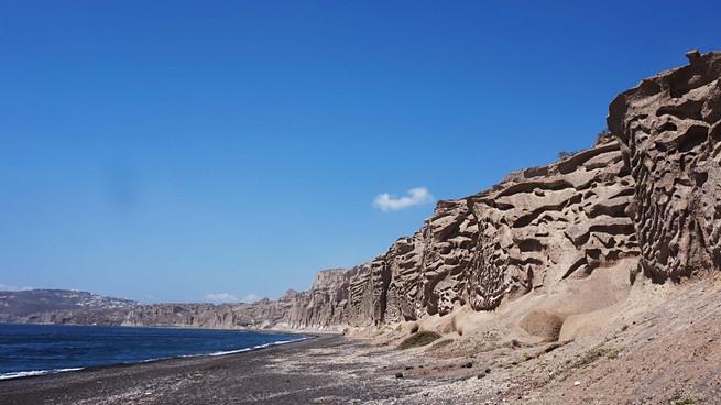 Prie Vlichados, Santorni saloje