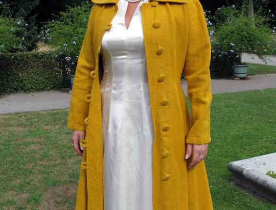 Jeanne d`Arc Mantel Hanf gelb