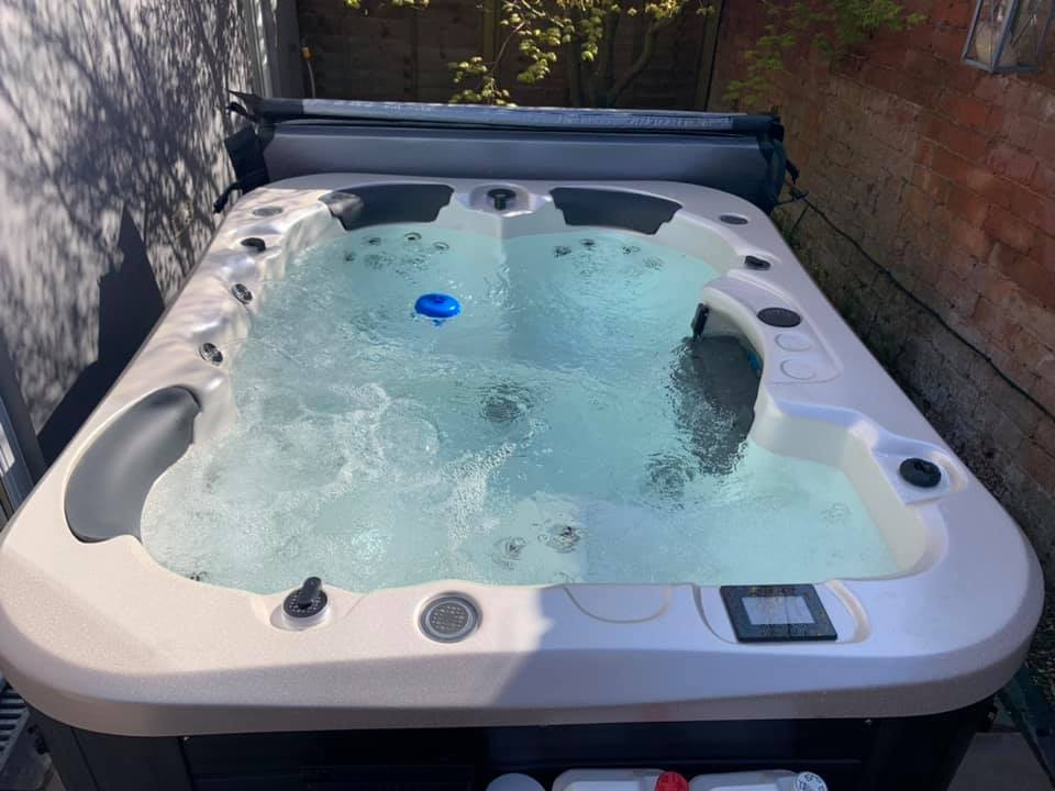 Vortex 3 Person Hot Tub