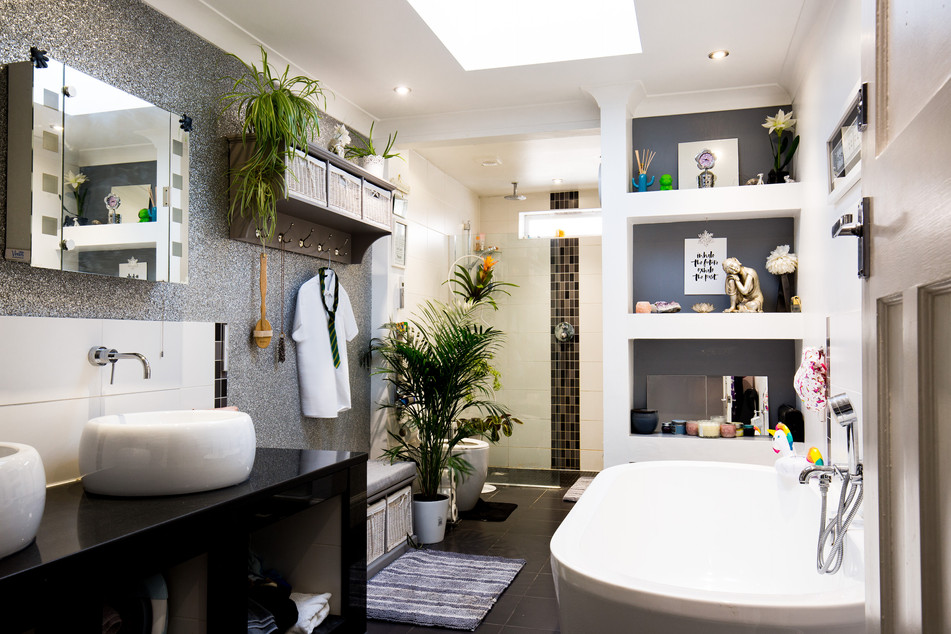 Old Denham Village - New bathroom in extension