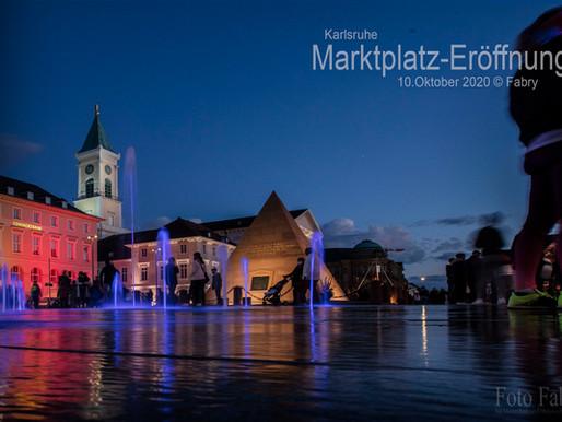 Karlsruhe: Marktplatz-Eröffnung mit Wasser und vielen Farben....