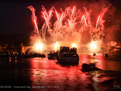 Heidelberg - Feuerwerk über dem Neckar.