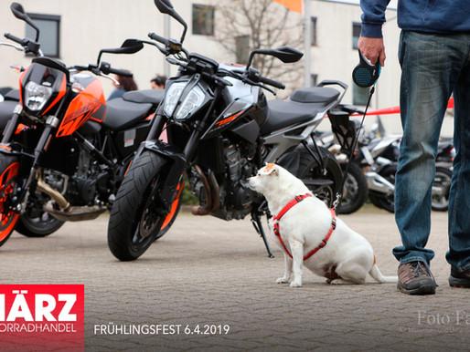 Motorradhandel März