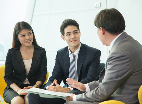 Questions International Students Should (and Should Not) Ask at Career Fairs