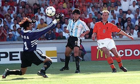 1998-WK-Bergkamp-2-1.jpg