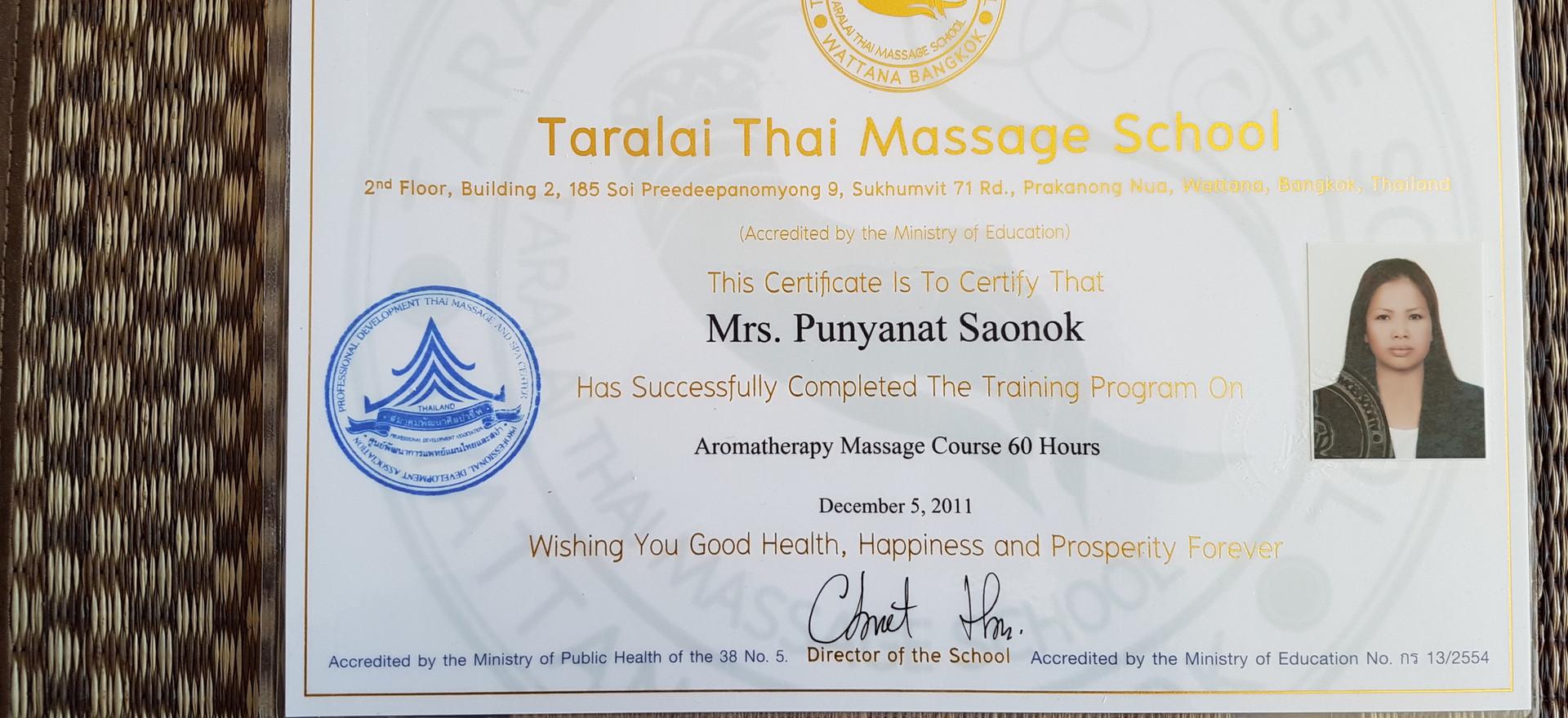 diploma Taralai aromatherapy.jpg