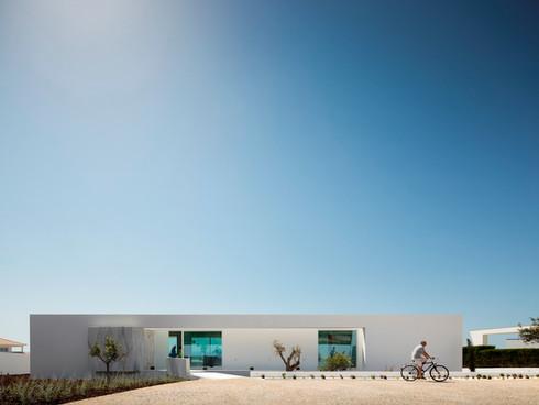 Casa Carrara by Mário Martins