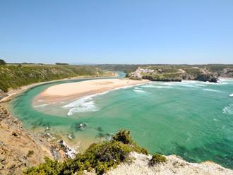 praia-de-odeceixe-portugal-cr-getty.jpg