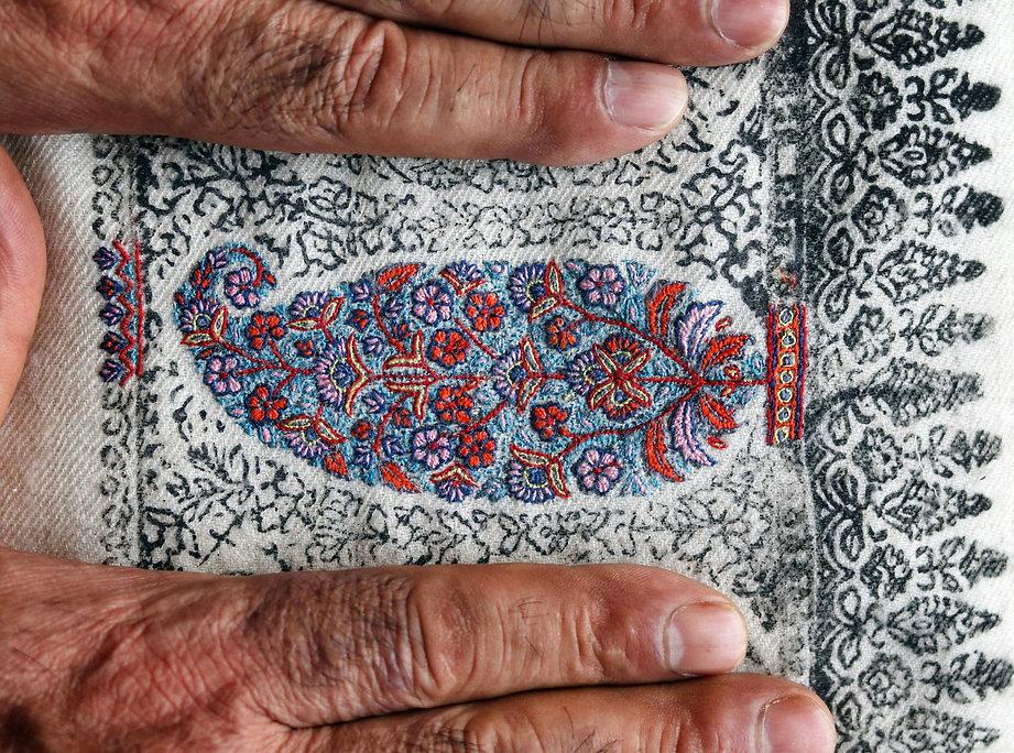 Kashmir Shawl Silk Sozni Hand Embroidery.jpg