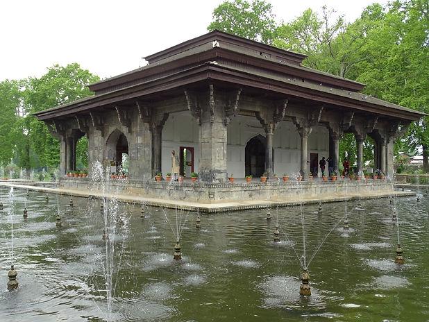 SHalimar Bagh Kashmir SHawl_edited.jpg