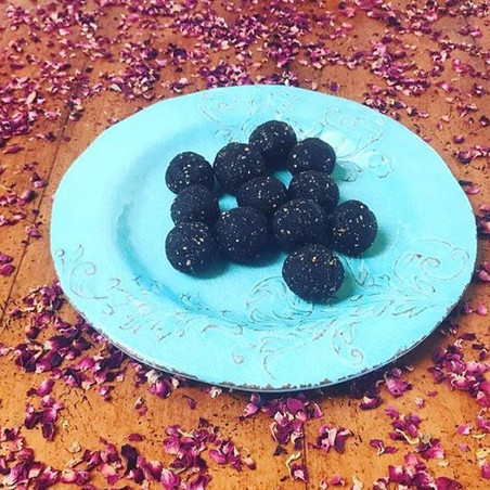 CHOCOLATE PEANT BUTTER ENERGY BITES