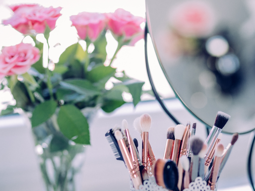 Why It's Important To Wash Your Makeup Brushes